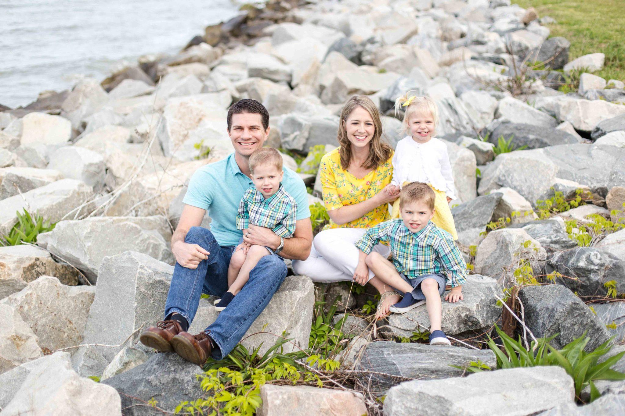 Ryan + Heather | Family Photos | Yorktown Beach
